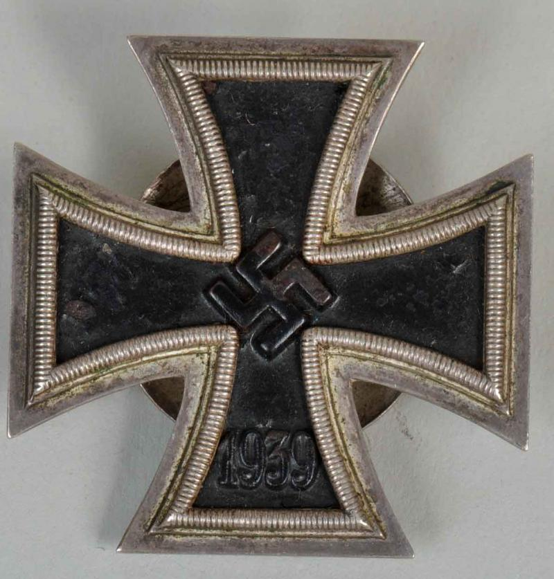 GERMAN WWII IRON CROSS 1ST CLASS DISC BACK.
